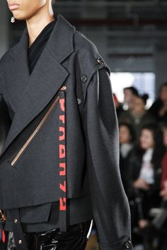 See detail photos for Proenza Schouler Fall 2017 Ready-to-Wear collection.