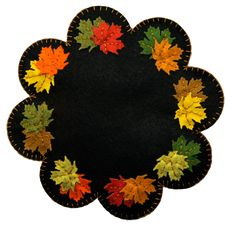 The Midnight Maple™ is a gorgeous fall colored mat. It is inches in diame… – Handwerk und Basteln Motifs Applique Laine, Wool Applique Quilts, Wool Applique Patterns, Wool Quilts, Wool Embroidery, Felt Applique, Moldes Halloween, Adornos Halloween, Felted Wool Crafts