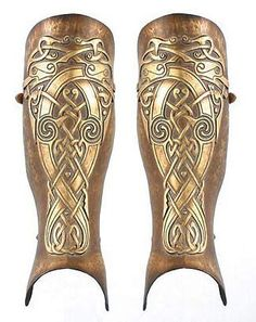 "A greave (from the Old French ""shin, shin armour"" from the Arabic jaurab, meaning stocking) is armor that protects the legs. Ancient Armor, Medieval Armor, Medieval Fantasy, Celtic Tatoo, Celtic Art, Norse Tattoo, Arm Armor, Body Armor, Roman Armor"
