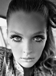 Use this trick to get the most 'drama' out of your mascara #makeup #tips