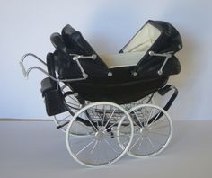 Solid Bringing Up A Child Advice For Happy Children. Vintage Pram, Vintage Dolls, Antique Dolls, Pram Stroller, Baby Strollers, Diy Barbie Furniture, Prams And Pushchairs, Dolls Prams, Strollers