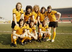 Wolves League Cup final players Andy Gray George Berry Robert Plant John Richards and Emlyn Hughes. Kenny Hibbitt Peter Daniel a Stock Photo