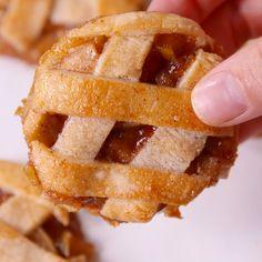 Apple cutie pies the best easy homemade apple pie recipe dessert recipes yummy food recipes apples pie Apple Pie Cookie Recipe, Apple Pie Recipe Easy, Easy Pie Recipes, Cookie Pie, Apple Pie Recipes, Cookie Recipes, Caramel Apple Pie Cookies, Recipe Tasty, Crust Recipe