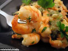 Drunken shrimps with green pepper sauce