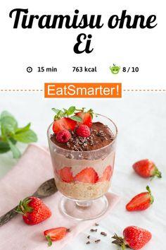Clean Eating für Gäste: Tiramisu ohne Ei - 763 kcal - schnelles Rezept - einfaches Gericht - So gesund ist das Rezept: 8,7/10 | Eine Rezeptidee von EAT SMARTER | Ernährung, Clean Eating, Clean Eating Snacks, Gesunde Ernährung, Gesunde-Rezepte, Vegan, Vegane Desserts, Region, Europa, Italienische, Saison, Frühling, Sommer, Sommerdessert, Mahlzeit, Brotzeit, Menü, Dessert, Creme, Erdbeerdessert, Leichte Desserts, Obstdessert, Erdbeer-Tiramisu #tiramisu #gesunderezepte Eating Clean, Eat Smarter, Panna Cotta, Pudding, Snacks, Ethnic Recipes, Food, Vegan Desserts, Light Desserts