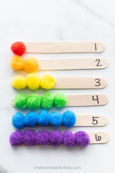 Math Activities for Kindergarten - Counting Pom Pom Popsicle Sticks - Kindergarten Math Activities, Preschool Learning Activities, Montessori Preschool, Montessori Elementary, All About Me Activities For Toddlers, Kindergarten Christmas, Lego Christmas, Preschool Education, Elementary Math