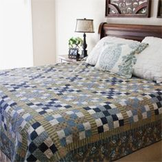 LAKE ITASCA Classic Pieced King Size Quilt Pattern Designed By SARAH  MAXWELL And DOLORES SMITH Machine