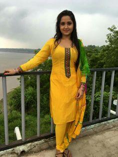 Bhojpuri actress image bhojpuri heroine photo wallpapers for whatsapp dp Punjabi Girls, Pakistani Girl, Stylish Girl Images, Stylish Girl Pic, Beautiful Girl Indian, Most Beautiful Indian Actress, Western Girl Outfits, Bhojpuri Actress, Tamil Actress