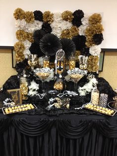 Great Gatsby themed candy buffet by Sweet Girls Candy Buffet (quinceanera decorations candy buffet) Great Gatsby Party Decorations, Party Like Gatsby, Roaring 20s Party, Gatsby Themed Party, Great Gatsby Theme, Great Gatsby Wedding, Harlem Nights Theme, Bar A Bonbon, 30th Birthday Parties