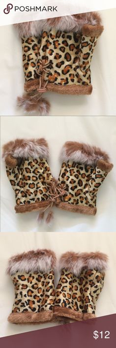Faux fur Fingerless gloves Smoke free, cat friendly home. Accessories Gloves & Mittens
