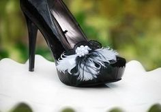 Wedding Shoe Clips. Black & White Feathers Lace by sofisticata