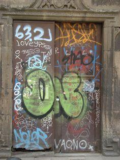 graffiti door Chalkboard Quotes, Art Quotes, Graffiti, Street Art, Windows, Doors, Graphite, Slab Doors, Window