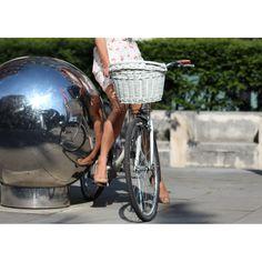 Biały kosz rowerowy z wikliny, Allegro. Bike Belle - butik rowerowy. Akcesoria do rowerów miejskich