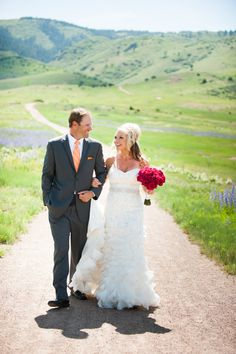 A Bold Mountain Wedding at the Manor House in Littleton, Colorado