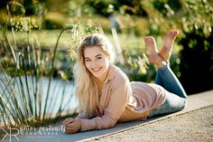 summer senior portraits at Boerner Botanical Gardens Teen Girl Poses, Senior Girl Poses, Girl Photo Poses, Girl Photography Poses, Senior Girls, Senior Portraits, Women With Beautiful Legs, Beautiful Women Pictures, Beautiful Gorgeous