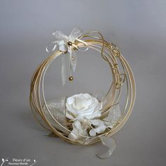 Wooden wedding ring with foliage and a stabilized natural rose, rings holder with a real preserved flower for country wedding Rose Wedding Rings, Ring Holder Wedding, Ring Pillow Wedding, Engagement Ring Platter, Ring Pillows, Ring Bearer Pillows, How To Preserve Flowers, Arte Floral, Wedding Accessories