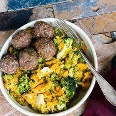 Deze zoete aardappel-broccolistamppot met Italiaans tintje is erg lekker, gezond én staat binnen 30 minuten op tafel. Win-win-win dus . Ideetje voor vanavond? . Directe link naar recept in bio. . #zoeteaardappel #bataat #sweetpotato #broccoli #stamppot #gehaktballetjes #meatballs #dinner #paleo #healthy #healthyfood #gezondeten #foodquotesnl #wewv
