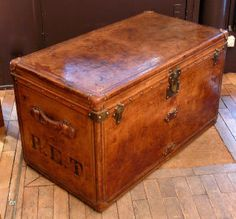 Stunning Louis Vuitton trunk. From 1895.