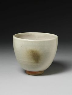 Stoneware bowl with a pale grey glaze by Charlotte Epton, Leach Pottery, St. Ives, 1931.