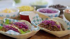 Tacos au bœuf effiloché à la mijoteuse Breakfast Crockpot Recipes, Slow Cooker Recipes, Beef Recipes, Chicken Recipes, Dog Treat Recipes, Dog Food Recipes, Cooking Recipes, Healthy Vegan Snacks, Healthy Snacks For Kids