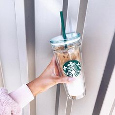 5 Ultimate Tips AND Tricks: Starbucks Coffee Glass cold brew coffee shop. Iced Coffee Cup, Coffee Menu, Coffee Latte, Coffee Drinks, Hot Coffee, Frozen Coffee, Coffee Scrub, Coffee Creamer, Black Coffee