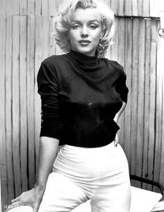 Marilyn Monroe - Photos and Quotes - Bizarre Los Angeles - Celebs Marilyn Monroe Stil, Marilyn Monroe Cuadros, Marilyn Monroe Fotos, Marylin Monroe Style, Marylin Monroe Pictures, Marilyn Monroe Body, Marilyn Monroe Outfits, Marilyn Monroe Wallpaper, Marilyn Monroe Costume