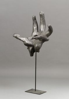 1_Alina_Szapocznikow_Hand._Monument_to_the_Heroes_of_the_Warsaw_Ghetto_II_1957_