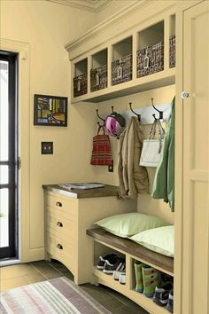 Still wishing I had a mud room! Or some space I can turn into a mud room! Mudroom Laundry Room, Laundry Area, Closet Mudroom, Mudroom Cubbies, Ideas Para Organizar, Better Homes And Gardens, Staying Organized, Room Paint, Home Organization