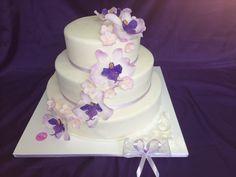 Festliche #Torte für einen besonderen Anlass ... ob für die #Hochzeit, zum #Geburtstag oder Jubiläum. In der #Konditorei Held am Tegernsee entstehen Traumtorten ganz nach Ihren Wünschen.