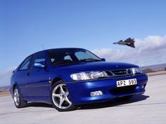 Saab Viggen, undoubtedly one of the craziest Saabs ever. Stunning performance, stunning exterior, stunning interior, and stunning torque steer--even by Saab standards. Gt R, Maserati Quattroporte, Volvo S60, Pontiac Firebird, Car Images, Car Photos, Cool Sports Cars, Cool Cars, Chevrolet Camaro