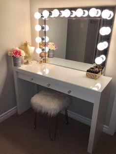 Bedroom Vanity With Lights, Makeup Vanity Mirror With Lights, Mirror Bedroom, Vanity Table With Lights, Vanity Room, Mirror Vanity, Diy Lighted Vanity Mirror, Vanity Set Up, Make Up Desk Vanity