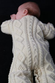 Crochet Patterns Onesie LOVE this for a winter outfit or bundle…bulky yarn and some booties and mitten… Baby Sweater Knitting Pattern, Knitted Baby Cardigan, Baby Knitting Patterns, Baby Patterns, Crochet Patterns, Cable Knitting, Free Knitting, Baby Cocoon, Baby Suit