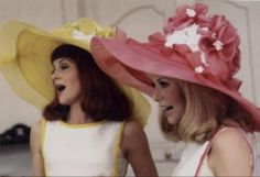 Les Demoiselles de Rochefort; love the music in this movie
