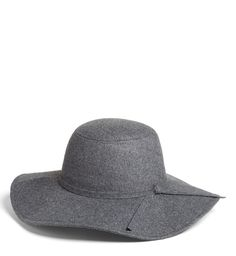 Elevate the hat game with this floppy felt beauty that's sure to lend a luxe vibe to any autumn outfit.