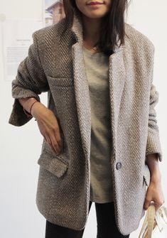Cet hiver, le blazer se décline en épais drap de laine (photo Death by Elocution)