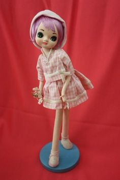 Vintage 60's Holiday Fair Big Eye Pose Doll w Lavender Hair
