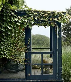 screened porch love with extra ivy goodness on the side