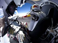 'Austronaut' Felix Baumgartner jumped out of his space capsule from an altitude of metres ft) as the Red Bull Stratos project took a giant leap into the manned flight stage in New Mexico. Felix Baumgartner, Red Bull, Supersonic Speed, Photo Record, Speed Of Sound, Paris Match, Big Photo, Photo Style, High Jump