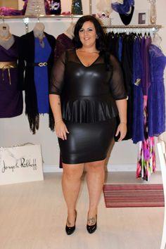 Mature Fashion, Curvy Fashion, Dress Skirt, Bodycon Dress, Beautiful Curves, Photography Poses, Black Women, Plus Size, Sexy