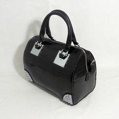 96f41926d55 Bolso negro dibujo piel cocodrilo en LUTASHA por 27