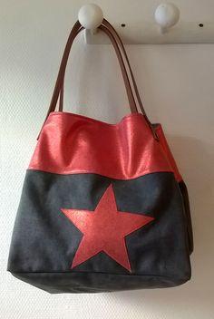 Cabas anse cuir, toile de lin et étoile rouge . L:28/P:25/H:30CM