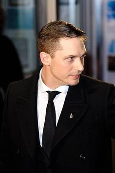 Tommy - BFI London Film Festival: Locke Premiere held at the Odeon West End - October 2013 England / Tom Hardy Baby, Tom Hardy Variations, Tom Hardy Photos, Matthew Mcconaughey, Tall Guys, Most Beautiful Man, Sexy Men, Instagram, Venom