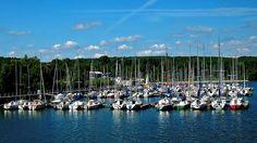 Wer nimmt mich mit?  ... Sonnenschein, genügend Wind und immer eine handbreit Wasser unterm Kiel. Das Saarland ist schön. Auch am, im oder auf dem Bostalsee. :-)