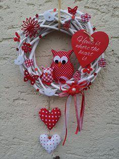 Christmas In July, Christmas Diy, Christmas Wreaths, Xmas, Christmas Ornaments, Wreath Crafts, Diy Wreath, Burlap Wreath, Valentine Wreath