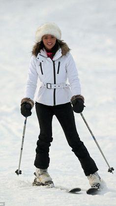 tenue de ski total look noir the mode look pour elle pinterest skier. Black Bedroom Furniture Sets. Home Design Ideas