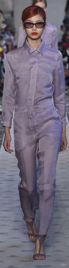Spring 2018 RTW Max Mara Purple Fashion, Fashion 2018, Womens Fashion, Italian Fashion, Shades Of Purple, Business Fashion, Unique Fashion, Looking For Women, Stylish Outfits