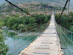 """Puente Hussaini (Passu, Pakistán) """"El puente de Hussaini sobre el rio Hunza, se encuentra en la zona norte de Pakistán, y es una de las zonas mas espectaculares del planeta, alli se encuentran las cadenas montañosas mas famosas."""""""