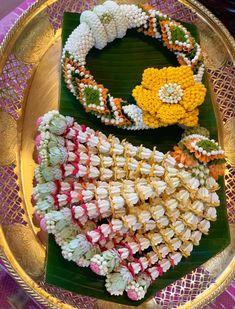 Flower Garlands, Diy Flowers, Flower Decorations, Wedding Decorations, Flower Diy, Contemporary Wedding Decor, Zardozi Embroidery, Thai Art, Mom Style
