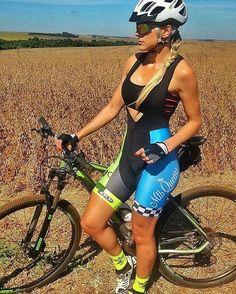 "bttlobo: ""#mountainbike #bikergirl #bikergirl #mtbgirl #pedalgirl #bike #biking #ilovegirlriders #btt """
