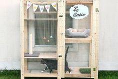 Dog Crate Furniture Diy Ikea Hacks 20 Ideas For 2019 Catio Ideas For Cats, Ikea Cat, Ikea Regal, Outdoor Cat Enclosure, Diy Cat Enclosure, Reptile Enclosure, Cat Run, Cat Hacks, Ikea Hacks For Cats